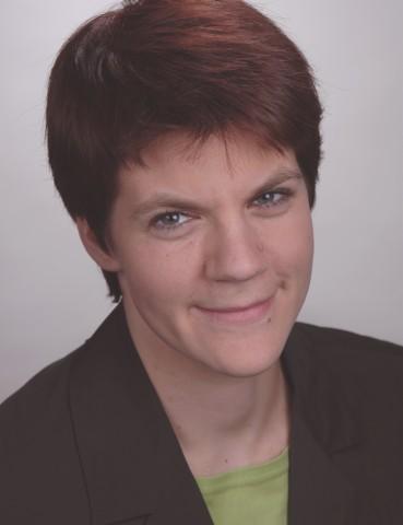 Foto: Portraitaufnahme von Frau Dr. Kim Weber.